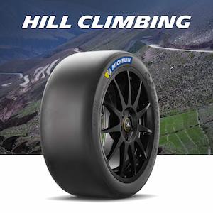 Kopcové pneumatiky pro závody do vrchu