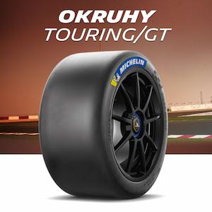 Okruhové pneumatiky pro cestovní vozy a GT